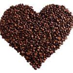 cuore chicchi caffè